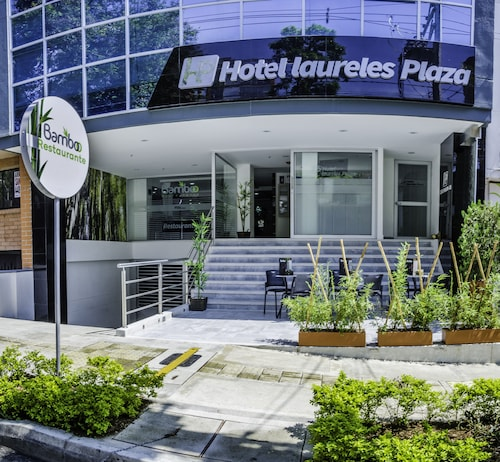 Hotel Laureles Plaza