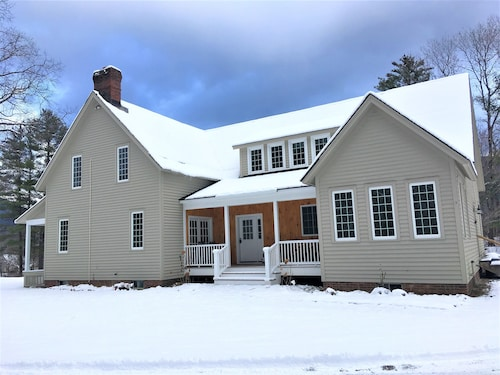 ***summer '18 now Open*** Gorgeous VT Home on lg Pond- 2 Min. to Horse Show
