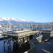 Waterfront Property! Beautiful Dockside Apartment Located in the Harbor!