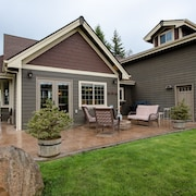 Beautiful House Plus Private Apartment, Just 6 Miles From Hood River!
