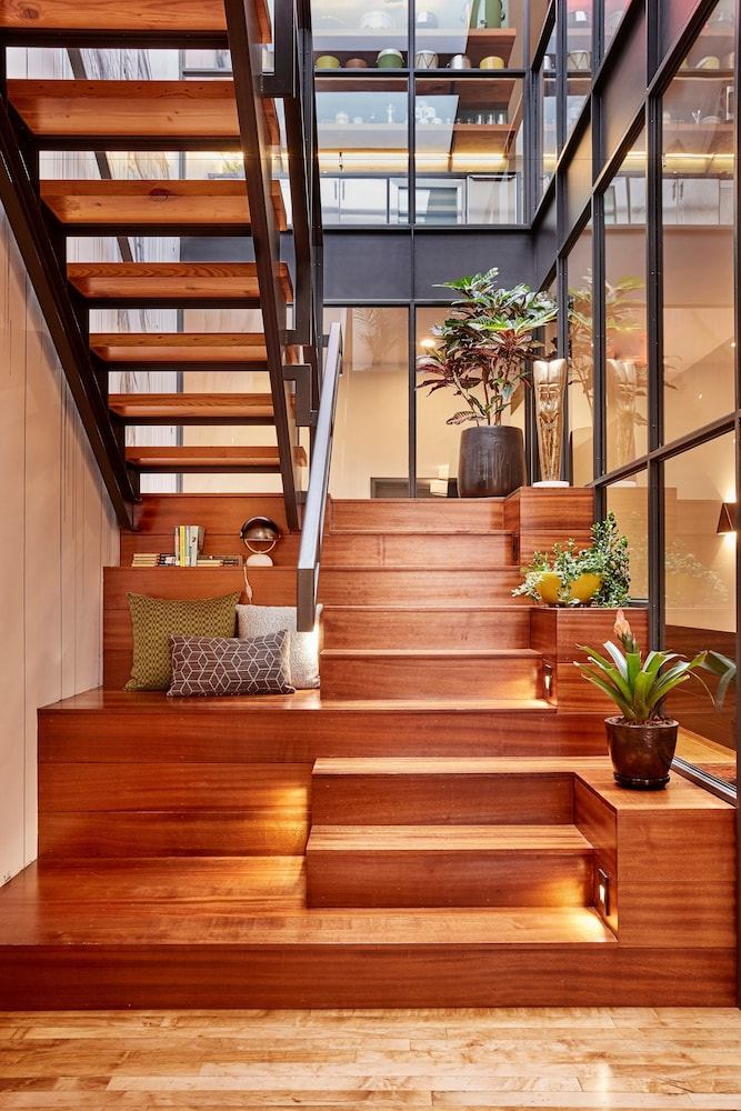 Staircase, The Publishing House Bed and Breakfast