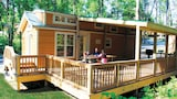Lake Rudolph RV Resort and Campground - Santa Claus Hotels