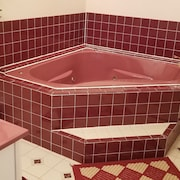 Private Spa Tub
