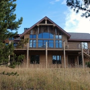 Two Bed Apt in Large Private Home - Great Base to Explore Yellowstone Area