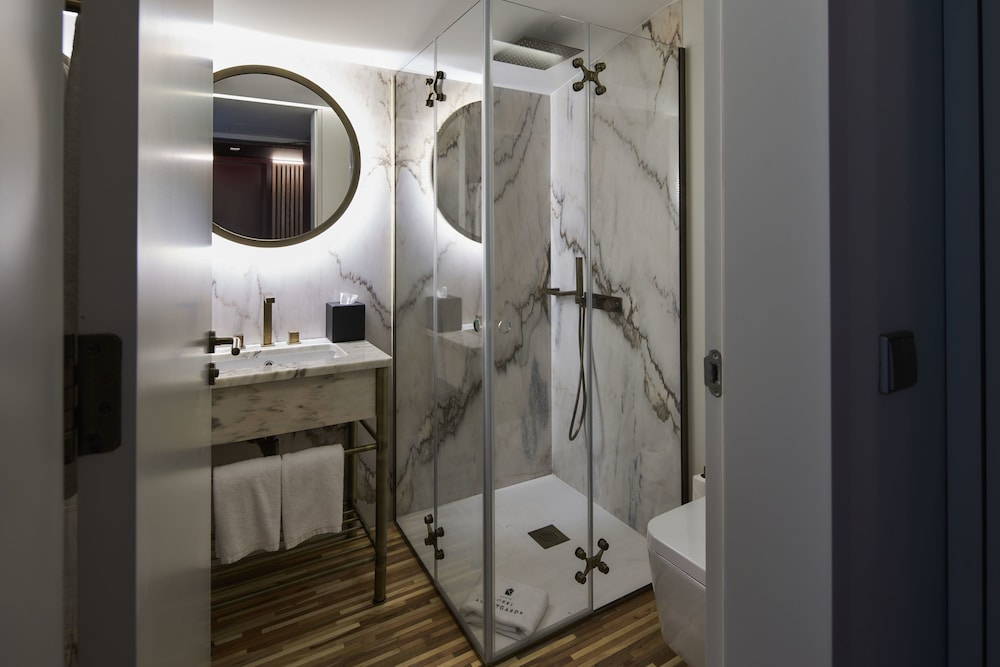 Bathroom, Torel AvantGarde
