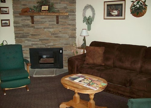 One in Downtown Gatlinburg (Unit 605) - 1 Br condo by RedAwning (USA 19122810) photo