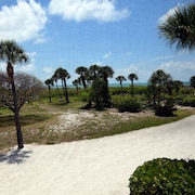 South Seas Beach Villa 2112 - 1 Br condo by RedAwning