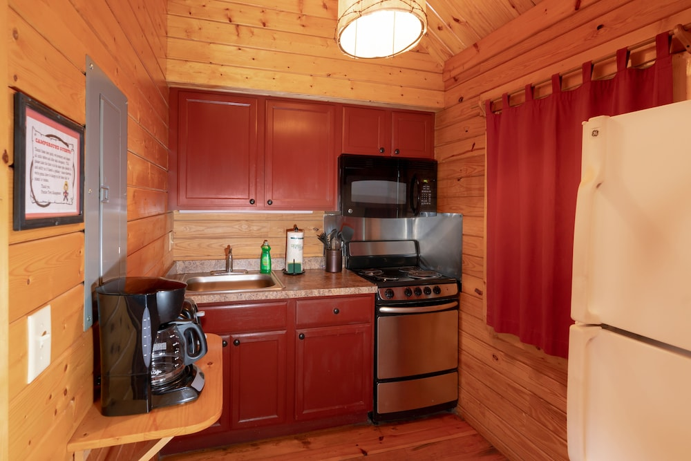 Private Kitchen, Frontier Town Campground
