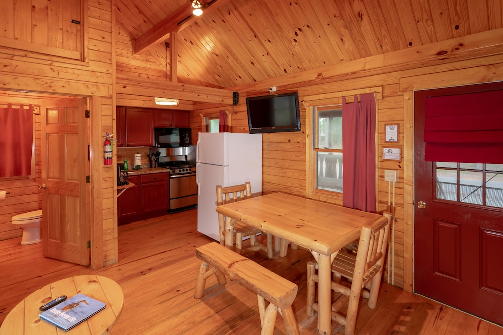 In-Room Dining, Frontier Town Campground