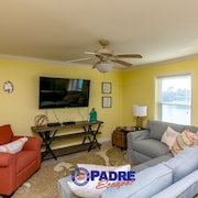 Costa Del Sol CSB4K - 2 Br condo by RedAwning
