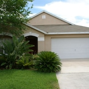 Home with Private Pool Near Golf - 4 Br home by RedAwning