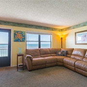 #606 Sunset Chateau - 1 Br condo by RedAwning