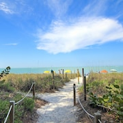 Sunset Captiva 17 - 2 Br home by RedAwning