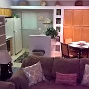 3bd 2ba Clean Cozy Condo Off Mill Ave