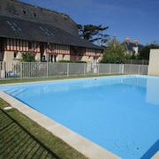House Very Close Nacre Coast, old Farmhouse With Pool and Garden