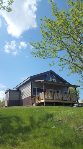Lakefront Cabin, Just 15 Minutes From Glacier National Park!