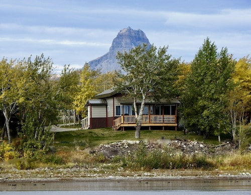 Duck Lake West Shore, Just 15 Minutes From Glacier National Park!