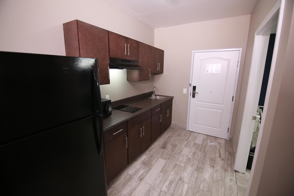 Private Kitchenette, Home Inn and Suites