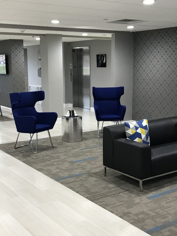 Lobby Sitting Area, Home Inn and Suites