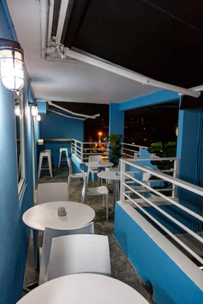 Dining, Nomada Urban Beach Hostel - Adults Only