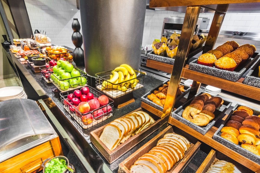 Breakfast buffet, The Fives Downtown Hotel & Residences, Curio Collection by Hilton