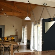 Couiza, Near Carcassonne, High Spec, Luxury House, Sleeps 8 With Pool