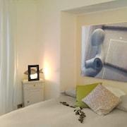 TOP Price !! THE Best Location IN Turin !! City Center AIR Condition
