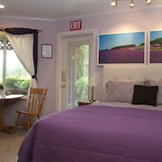 Cozy Oceanview Suite in Beautiful Pender Harbour/sunshine Coast, BC