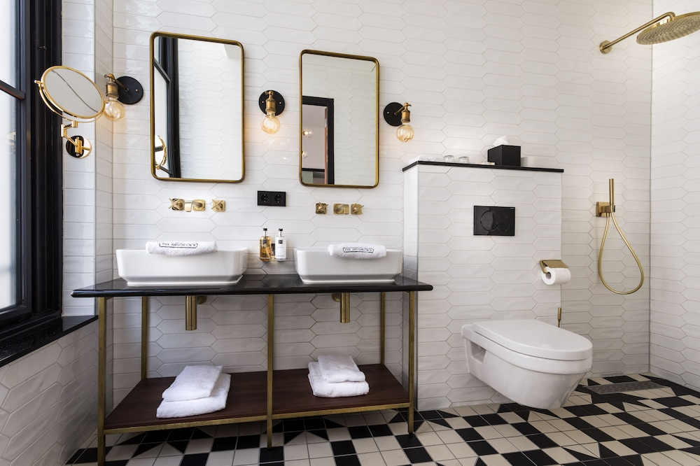 Bathroom, The Hendrick's Hotel