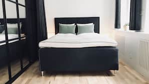 3 bedrooms, premium bedding, pillow-top beds, desk