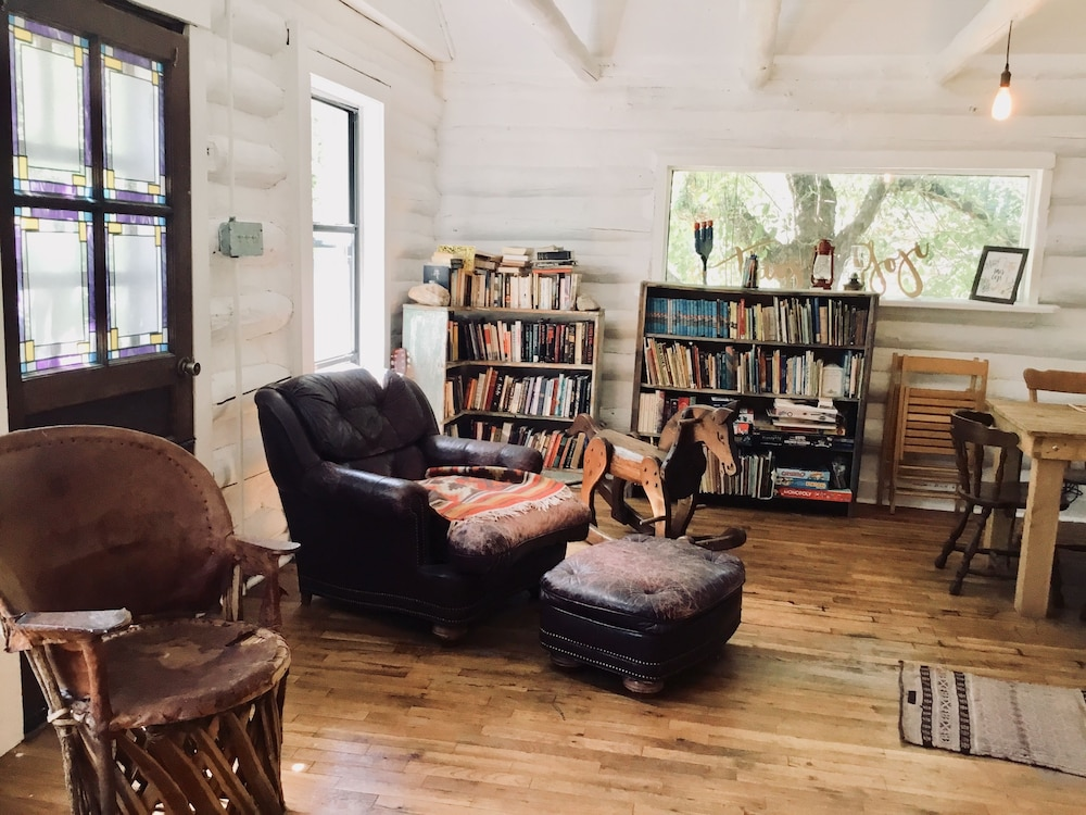 Library, Taos Goji Farm & Eco-Lodge Retreat
