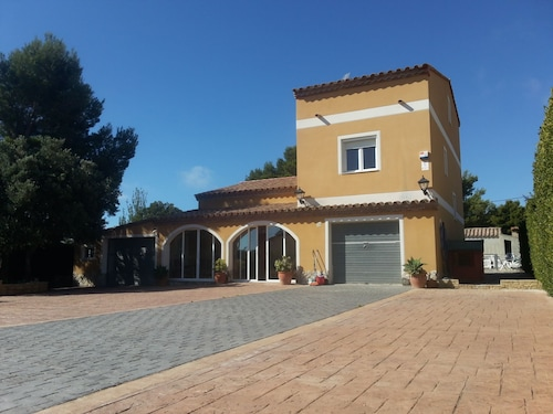 Villa: Playground, Weather, Pool, Barbecue, SAT TV, Wi-fi ...