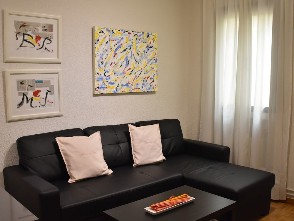 Modern Apartment in Calle Alcala // Large Living Room, 2 Bedrooms ...