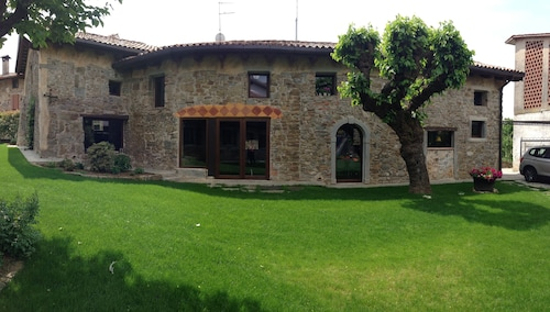 The House Ponca, a Beautiful Nest in the Heart of Collio