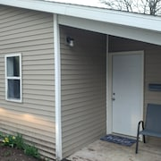 Standalone Rehabbed Cottage 1 Bedroom 1 Bathroom in a Convenient Location