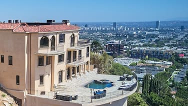 Luxury Gated Hollywood Hills View Estate With Heated Pool. Sleeps 1 To 14