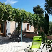 Rent House in Robion Vaucluse for Holidays;