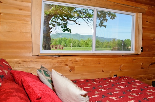 Mountain View Retreat on 140 Private Acres! Freedom and Flexibil