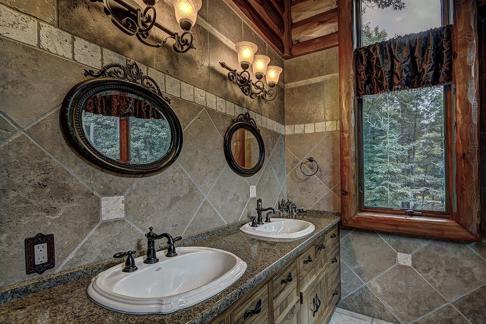 Bathroom, Top 10 Home On World's Largest Chain of Lakes! Featured On Travel Wisconsin!