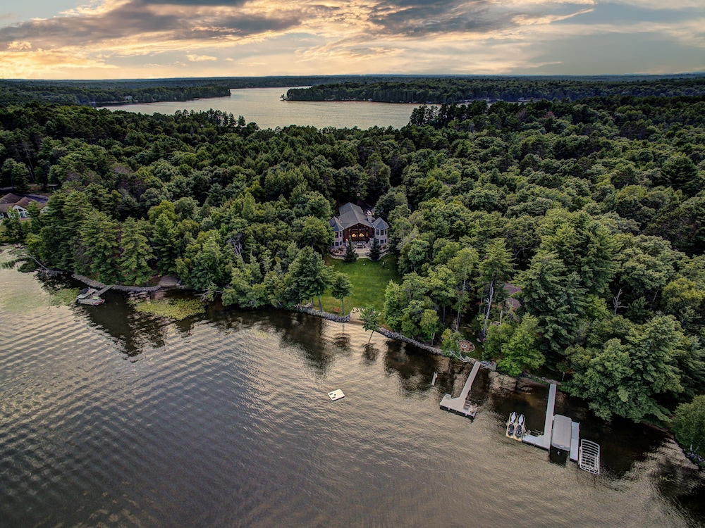 , Top 10 Home On World's Largest Chain of Lakes! Featured On Travel Wisconsin!