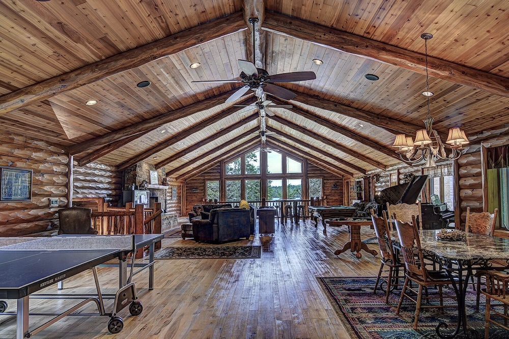 Interior, Top 10 Home On World's Largest Chain of Lakes! Featured On Travel Wisconsin!