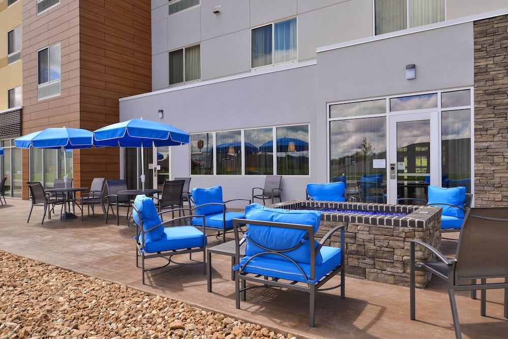 Exterior, Fairfield Inn & Suites by Marriott Warrensburg