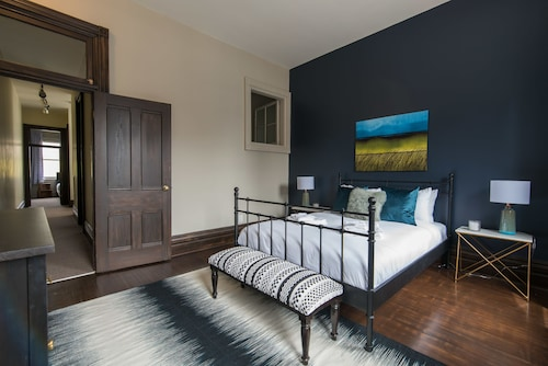 Check Expedia for Availability of Charming 3BR in Queen Street East by Sonder