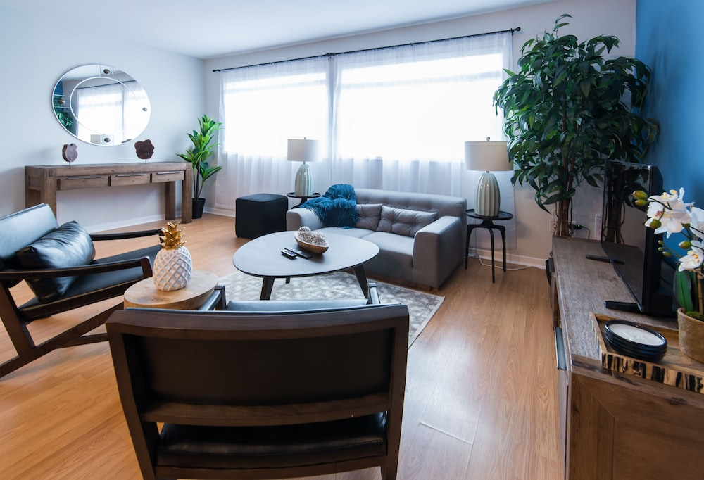 Bi Level 3br In Little Italy By Sonder 2017 Pictures Reviews Prices Deals Expedia Ca