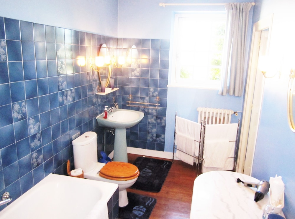 Bed And Breakfast Chambres D Hotes With Swimming Pool Chateauneuf