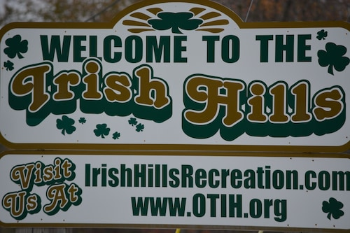 Irish Hills IS Stomping AT THE Grape Escape ON Vineyard AND Private Dock !