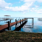 Spacious Waterfront Retreat 2 Bed, 2 Bath