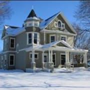 Beautiful Victorian..4 Bedroom.. 20 min From West Des Moines