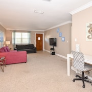 Renovated 2/2 Ormond Beach Home ~ 50ft to Beach!