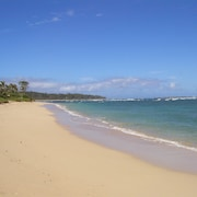 North Shore Retreat - Literally Stay On The Beach!